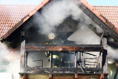Wohnhausbrand Mehrparteienhaus