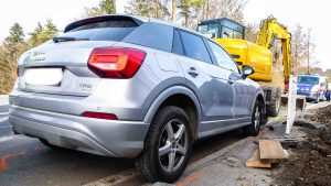 Verkehrsunfall – PKW gegen Bagger